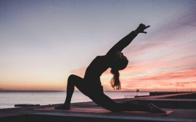 Venerdì 31 luglio, dalle 19:45, Yoga sulla spiaggia con Giorgia Gentile. A seguire Apericena.
